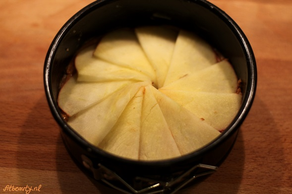 recept-glutenvrij-suikervrij-appel-pindakaas-cake10