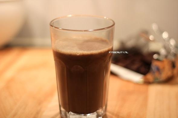 recept-warme-chocolade-melk-slagroom-gezond4