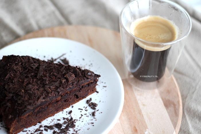 recept-chocolade-taart-glutenvrij-suikervrij-vegan-27