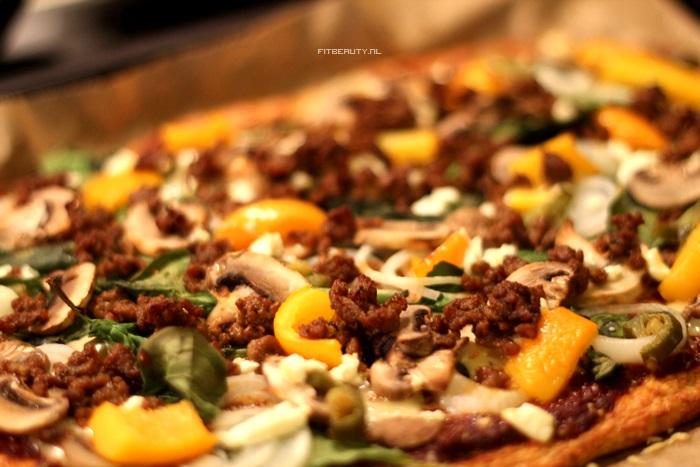 recept-paleo-pizza-bloemkool-bodem-11