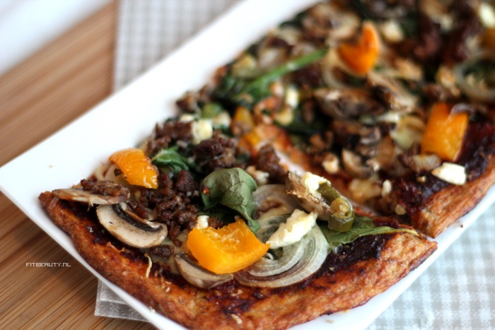 recept-paleo-pizza-bloemkool-bodem-12