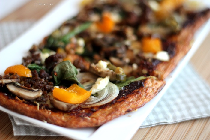recept-paleo-pizza-bloemkool-bodem-14
