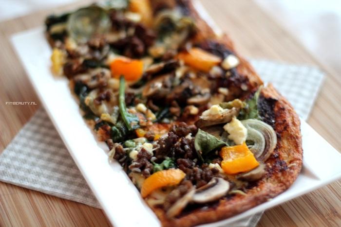 recept-paleo-pizza-bloemkool-bodem-15