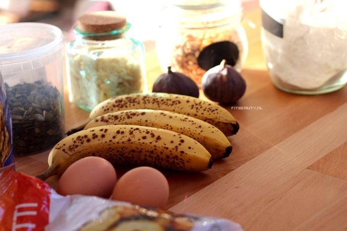 recept-lekkerste-suikervrij-bananenbrood-ooit-9