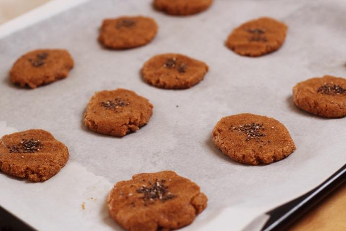 Recept-glutenvrije-suikervrije-vegan-zachte-pindakaas-koekjes-12