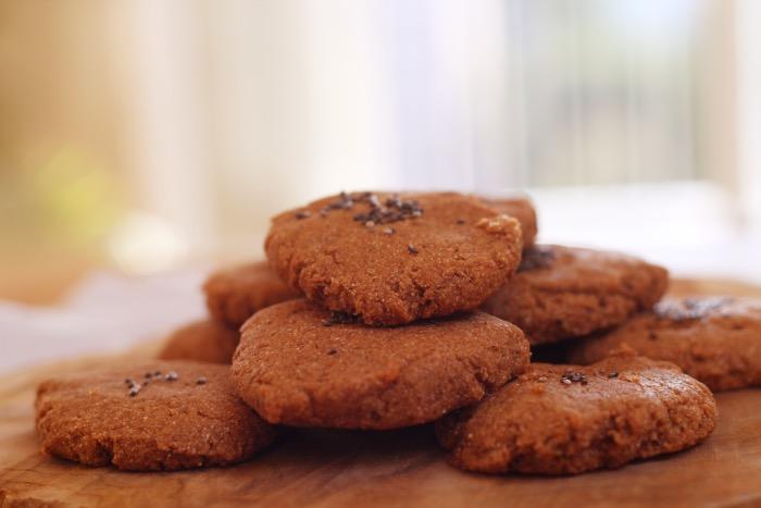 Recept-glutenvrije-suikervrije-vegan-zachte-pindakaas-koekjes-19
