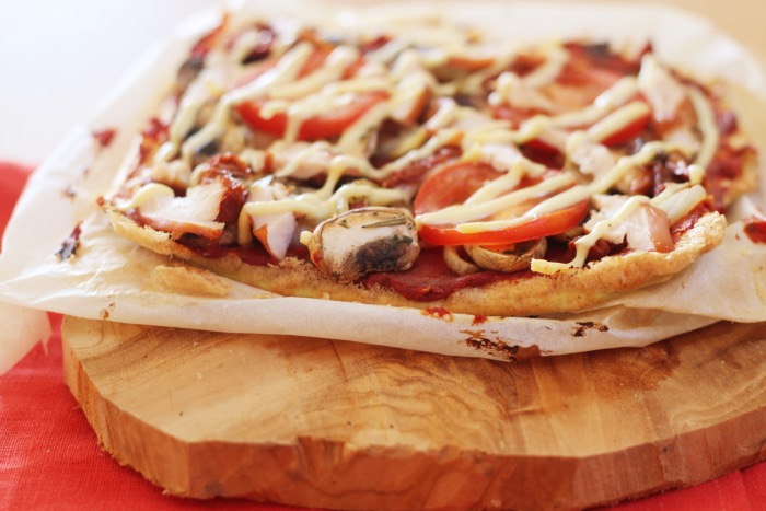 Recept-pizza-ei-korst-koolhydraatarm-16