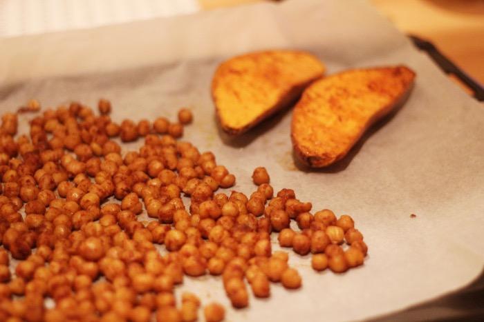recept-zoete-aardappel-kikkererwten-oven-7