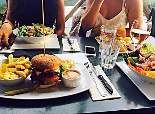 hamburger-wijn-dieet