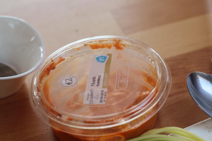 recept-courgette-spaghetti-restjes-hummus-4