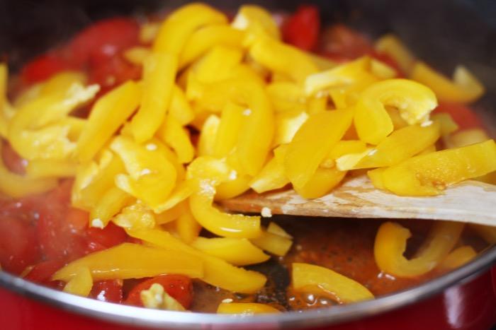 recept-chili-zelfgemaakte-tomatensaus-bloemkoolrijst-11
