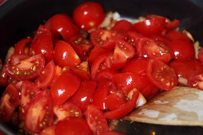 recept-chili-zelfgemaakte-tomatensaus-bloemkoolrijst-5