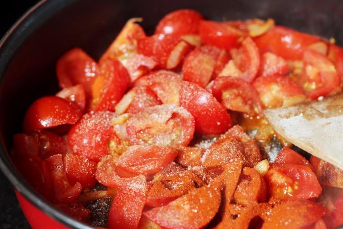 recept-chili-zelfgemaakte-tomatensaus-bloemkoolrijst-7