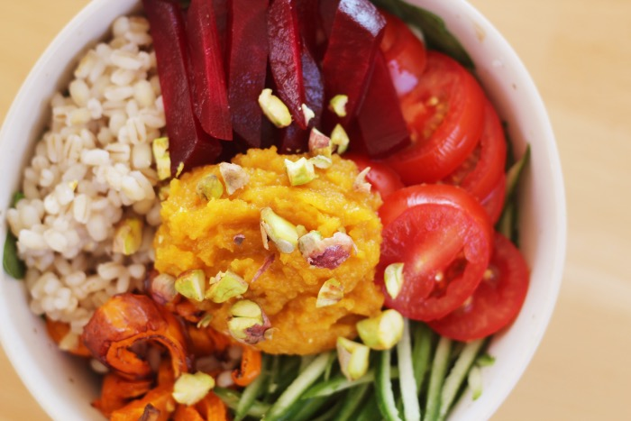 Recept-Voedzame-Rainbow-bowl-11