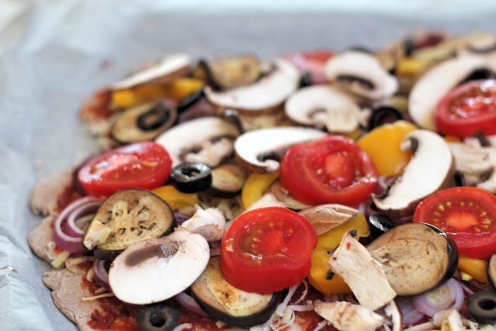 recept-pizza-volkoren-rogge-bodem-18
