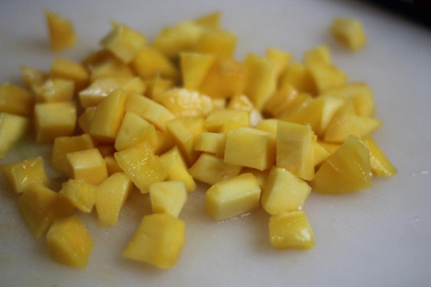recept-simpele-mango-salsa-1