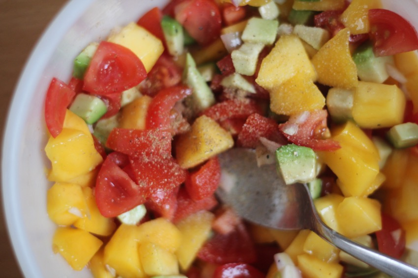 recept-simpele-mango-salsa-7