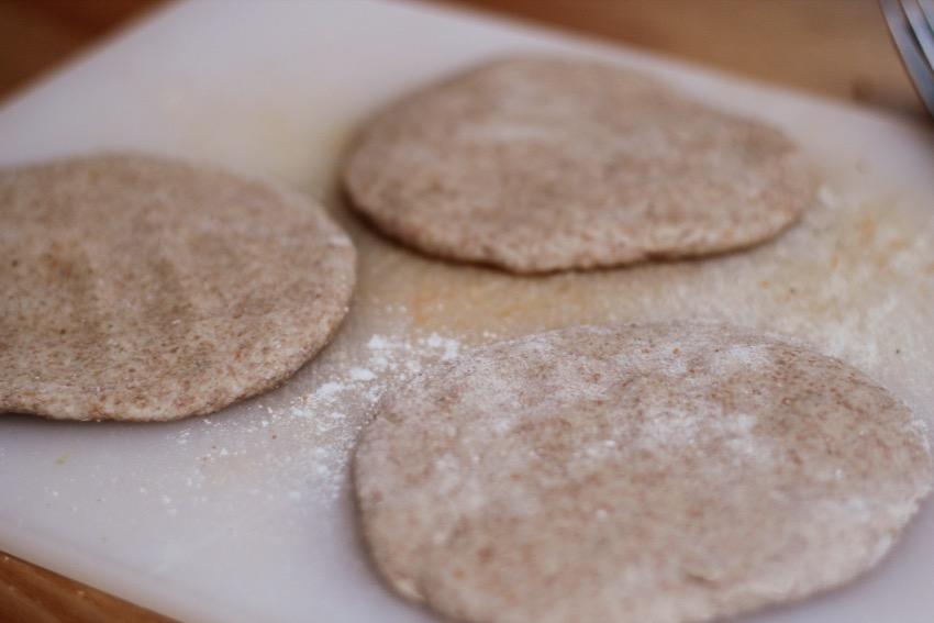 recept-zelf-volkoren-pita-brood-maken-6