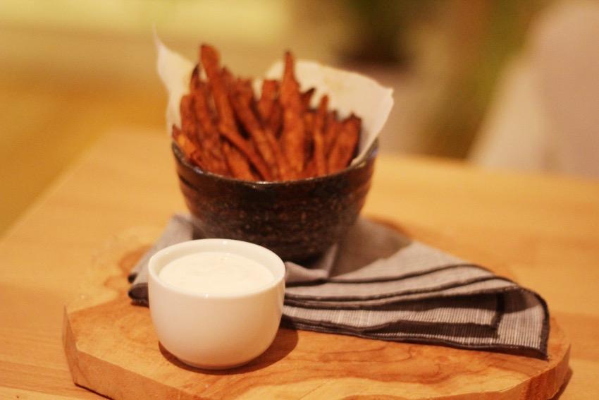 recept-zoete-aardappel-friet-yoghurt-dip-10