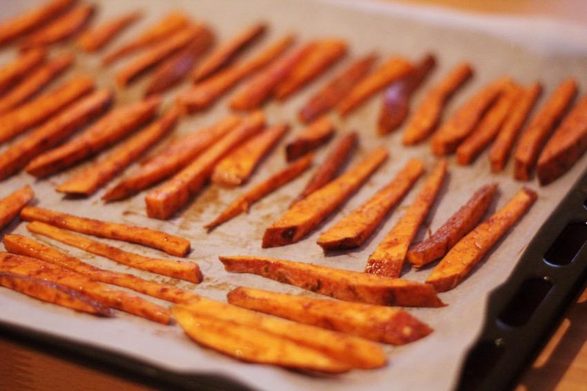 recept-zoete-aardappel-friet-yoghurt-dip-4