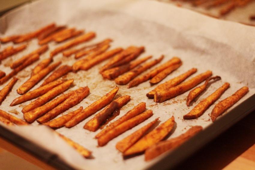 recept-zoete-aardappel-friet-yoghurt-dip-9