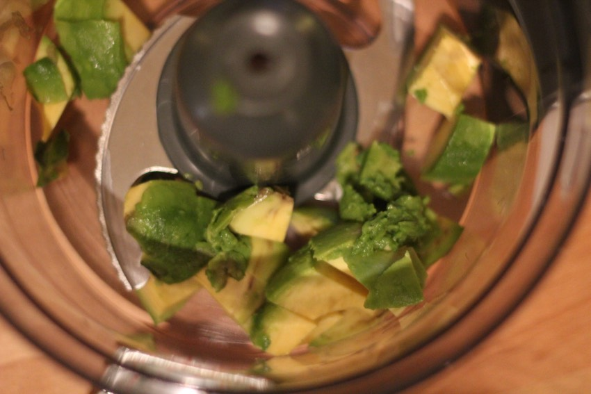 recept-avocado-pesto-pasta-1