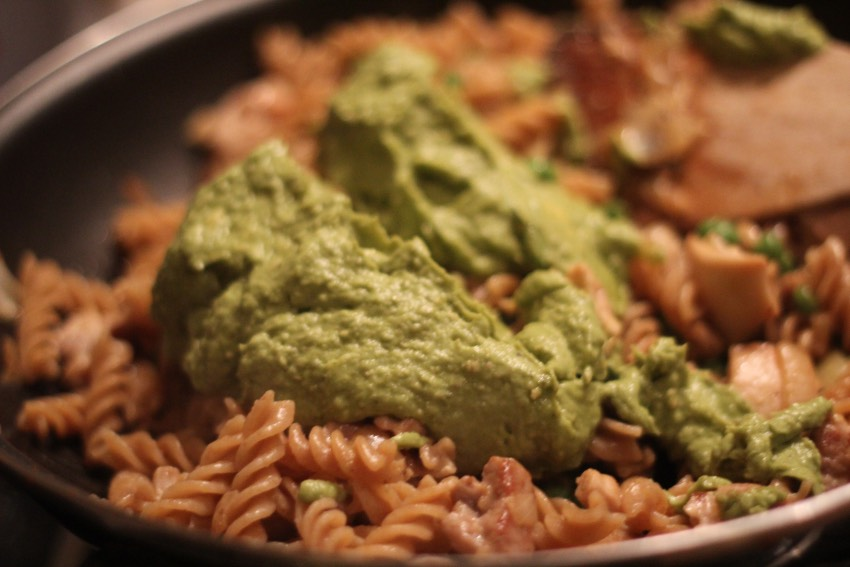 recept-avocado-pesto-pasta-5