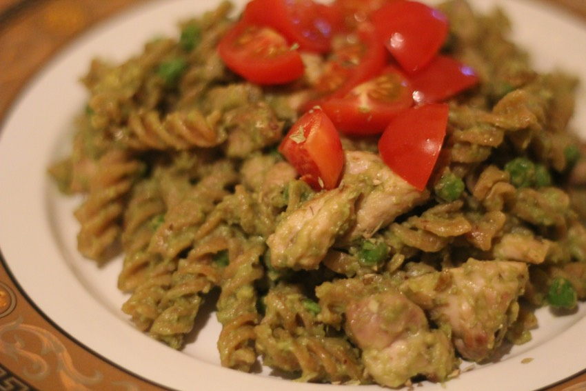 recept-avocado-pesto-pasta-8