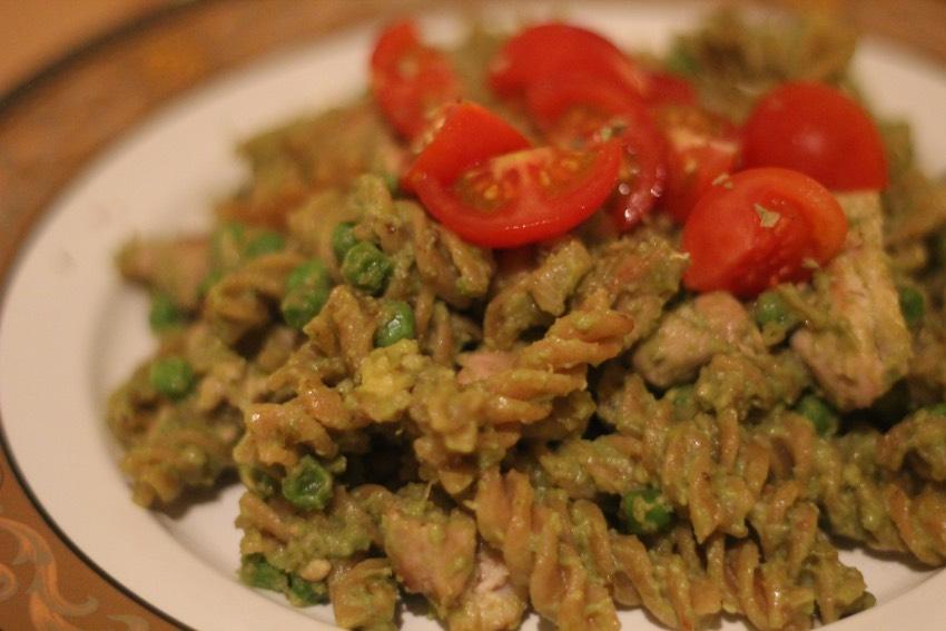 recept-avocado-pesto-pasta-9